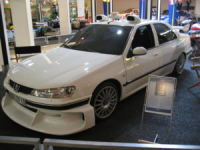 300px-Peugeot_406_taxi_3_(1)[1].jpg